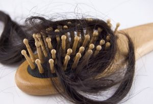 Come fare per favorire la ricrescita dei capelli ricrescita naturale