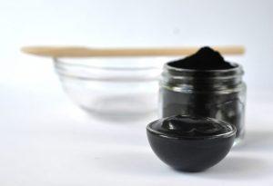 Black Mask carbone attivo