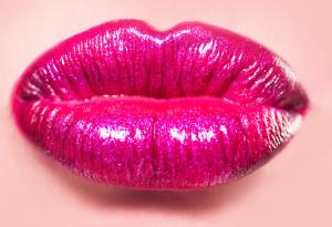 Crema volumizzante per labbra rimpolpate