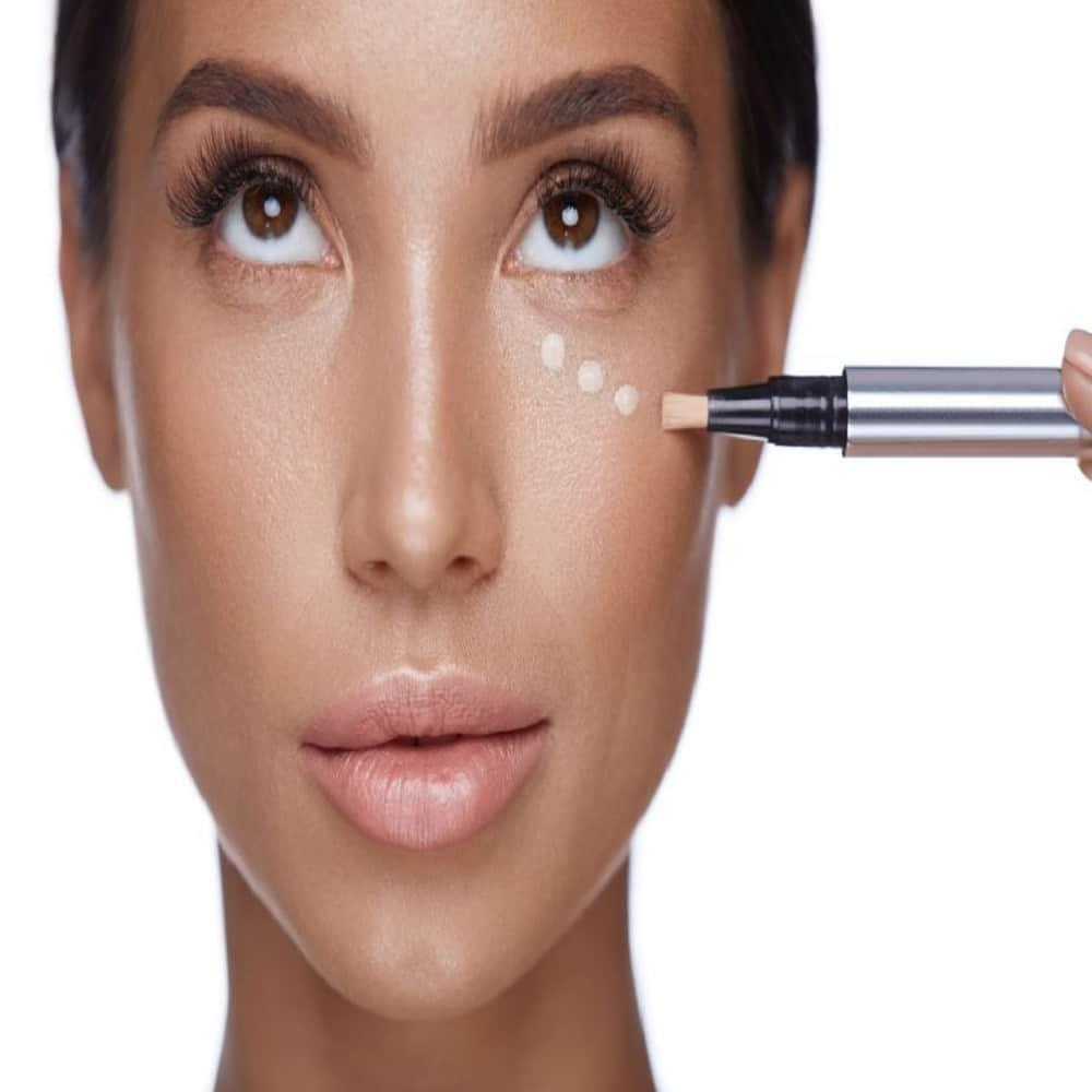Correttori per pelle scura: Come scegliere i migliori