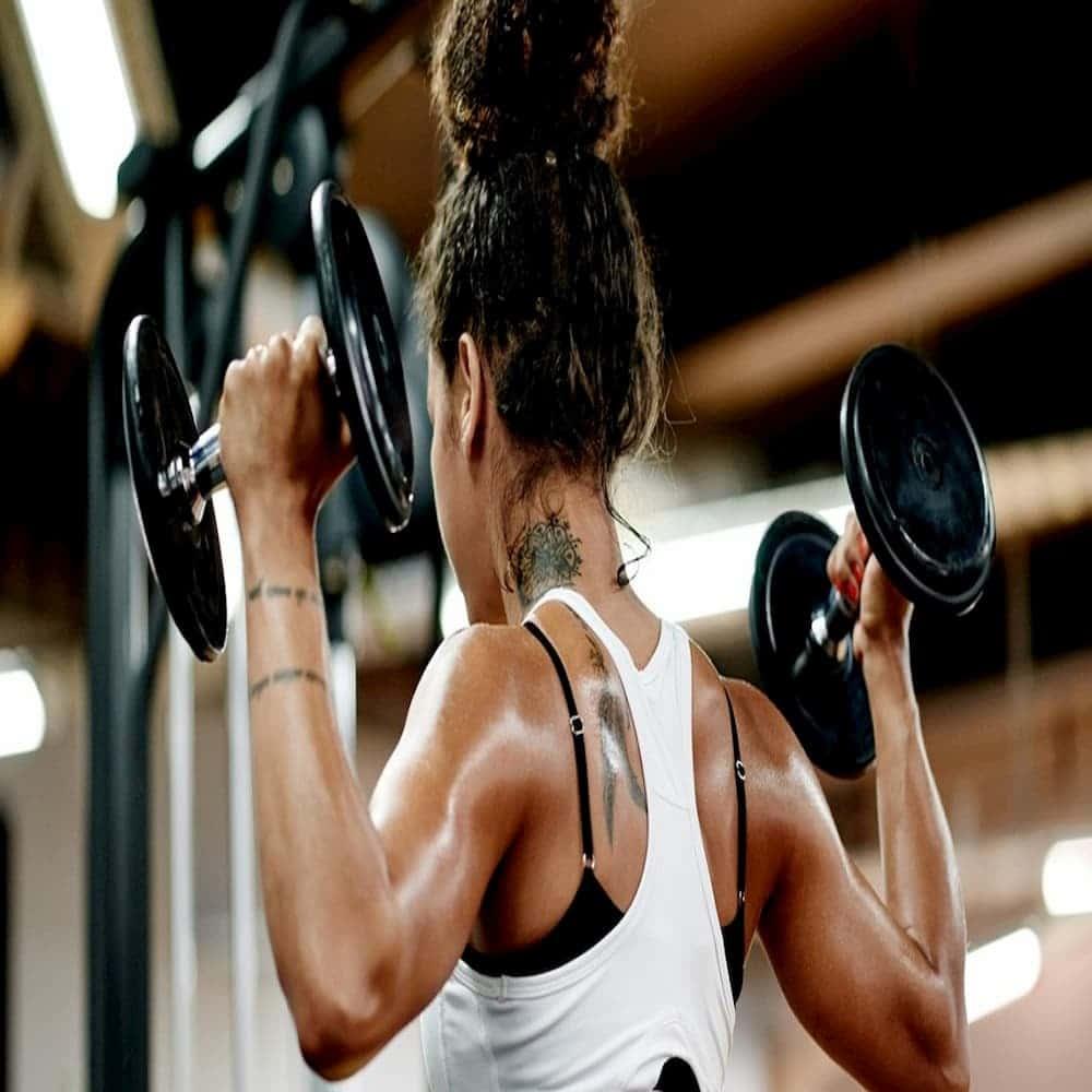 Come allenare le spalle a casa