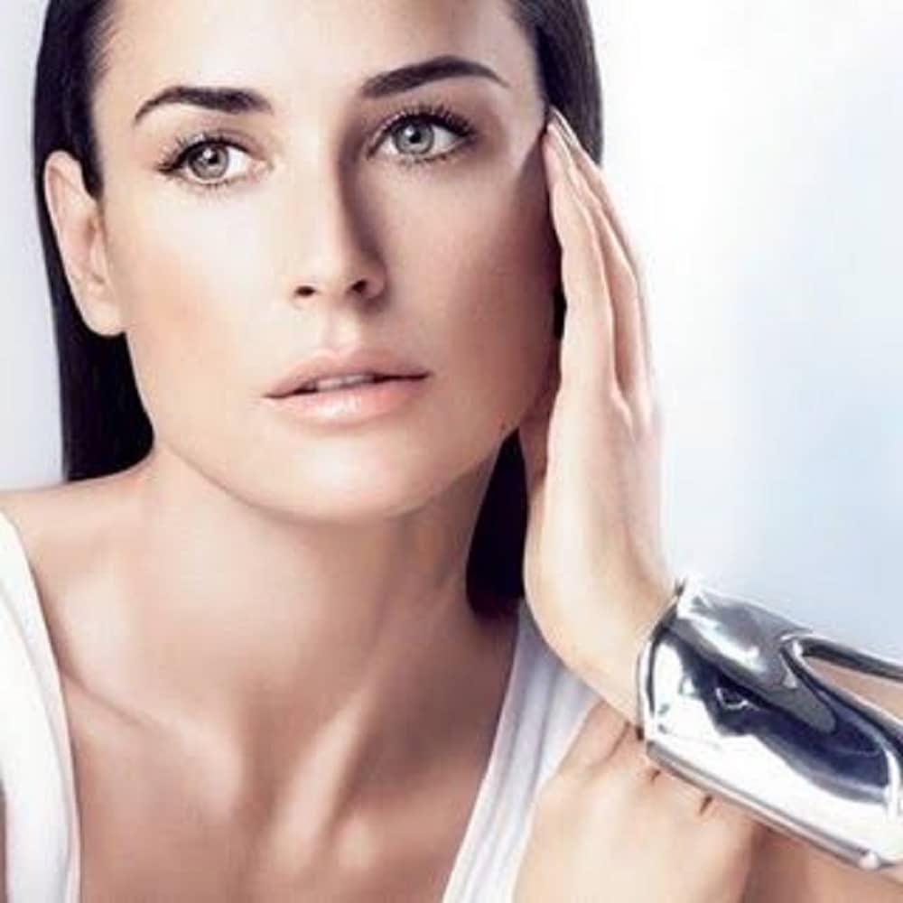 Donna viso quadrato: Consigli utili per trucco e capelli