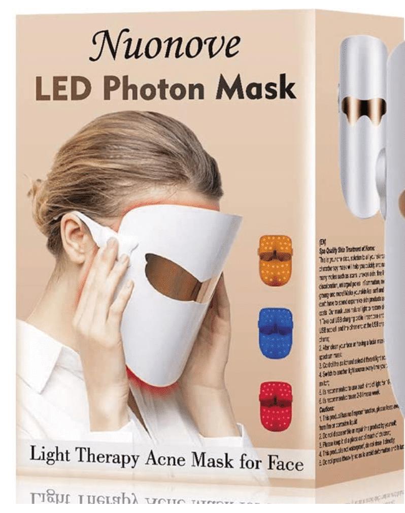 L'acne si può combattere con le maschere LED