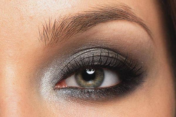 Smokey eyes: Tutorial pratico con gli step per realizzarlo
