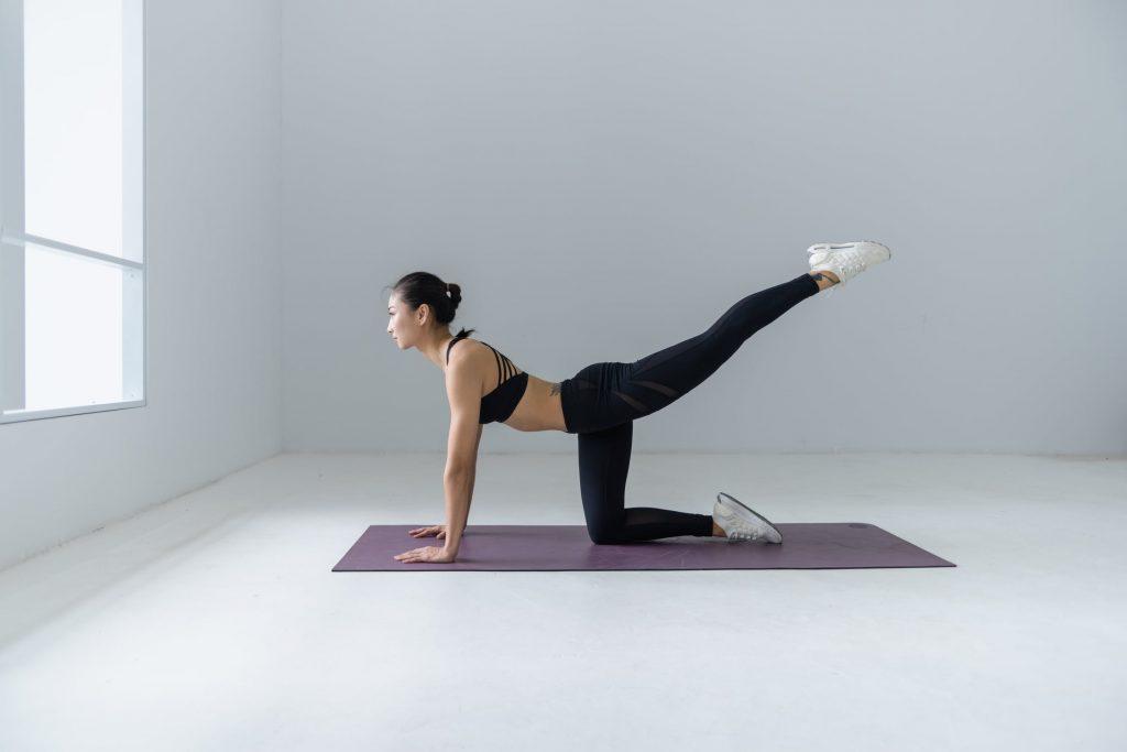 Yoga: ecco come scegliere il tappetino giusto