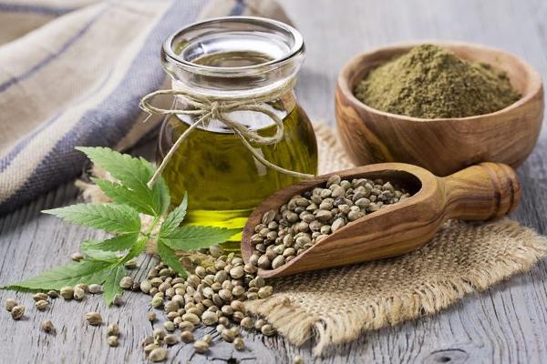 Olio di Canapa: Proprietà, usi e benefici