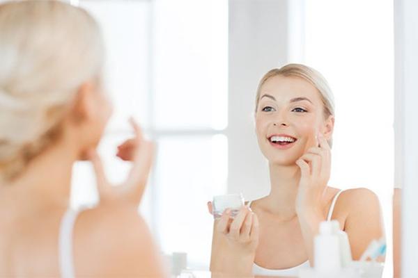 Vitamina E: a cosa serve e migliori prodotti viso secondo la scienza [2020]