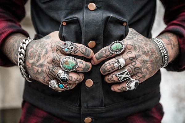 Crema per tatuaggi: Migliori 7 più buone consigliate dai tatuatori
