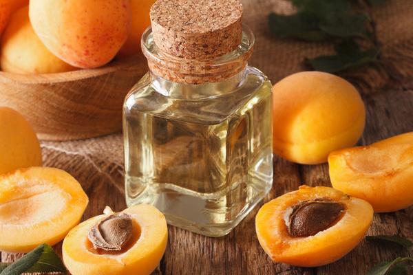 Olio di Albicocca: Proprietà, usi e benefici