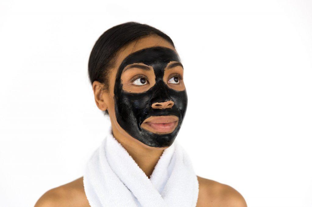 Maschera a base di acido salicilico