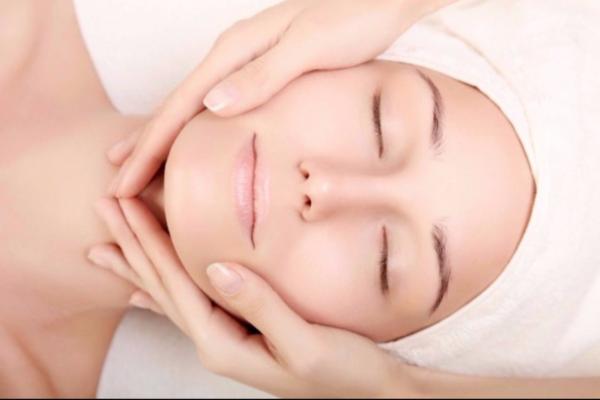 Pelle sensibile: Cause, rimedi e prodotti consigliati all'uso