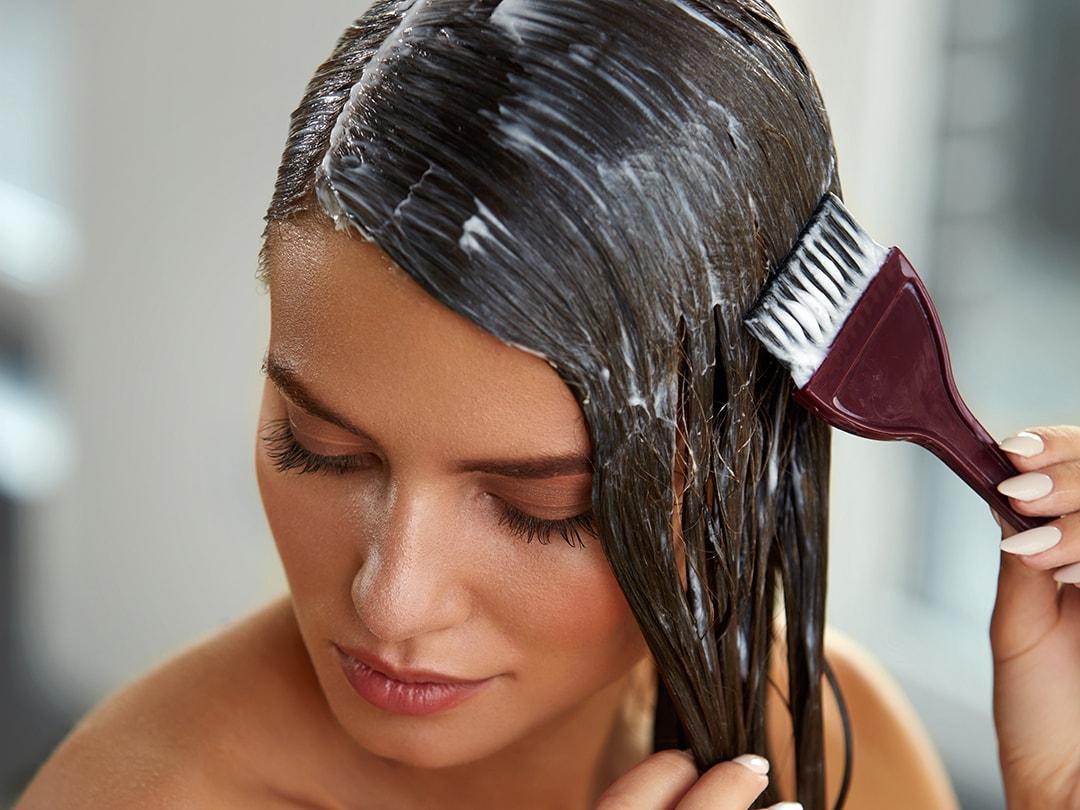 Come applicare la tinta per capelli