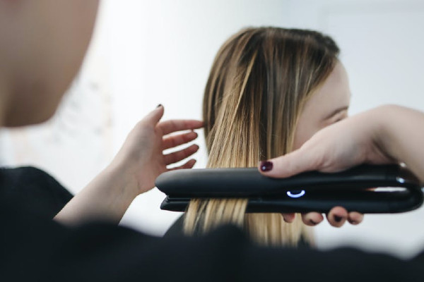 Spray protettivo capelli: 🥇Migliori 7 da scegliere!